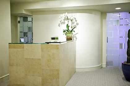 vein-treatment-center-office-reception-area